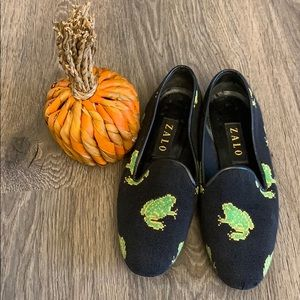 Zalo slip on loafers black with frogs